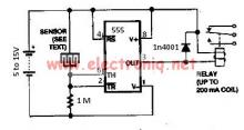 Water sensor circuit using 555 timer
